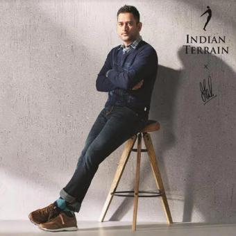 https://www.indiantelevision.com/sites/default/files/styles/340x340/public/images/tv-images/2019/10/07/dhoni.jpg?itok=K4m2LKqb