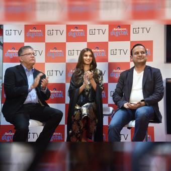 https://www.indiantelevision.com/sites/default/files/styles/340x340/public/images/tv-images/2019/10/21/dsc.jpg?itok=VxL-B5Ll