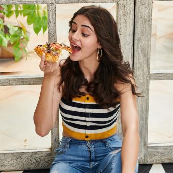 https://www.indiantelevision.com/sites/default/files/styles/340x340/public/images/tv-images/2019/12/02/ANANYA-PANDAY.jpg?itok=ltgLaGmi