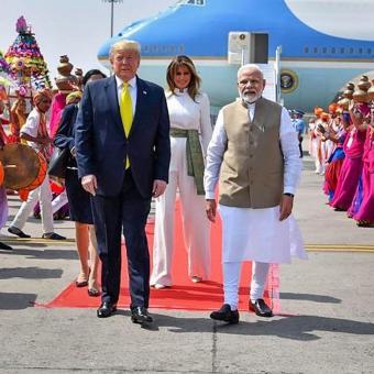 https://www.indiantelevision.com/sites/default/files/styles/340x340/public/images/tv-images/2020/02/27/Modi-Trump.jpg?itok=ZxDo9Ovu