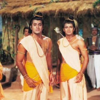 https://www.indiantelevision.com/sites/default/files/styles/340x340/public/images/tv-images/2020/04/10/ramayan.jpg?itok=4OjktdBv