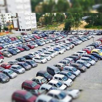 https://www.indiantelevision.com/sites/default/files/styles/340x340/public/images/tv-images/2020/08/20/car_market.jpg?itok=QK4fwEBZ