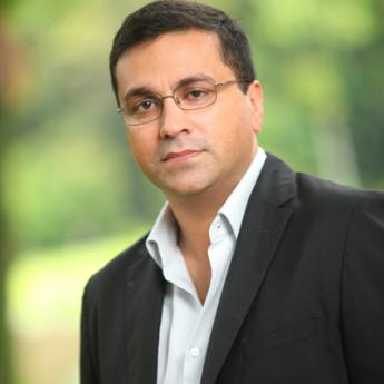 https://www.indiantelevision.com/sites/default/files/styles/345x345/public/images/event-coverage/2014/12/29/Rahul%20Johri.JPG?itok=3Yyoa8D-