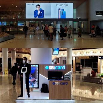 https://www.indiantelevision.com/sites/default/files/styles/345x345/public/images/tv-images/2020/08/13/airport-advertising.jpg?itok=jERMNeWn