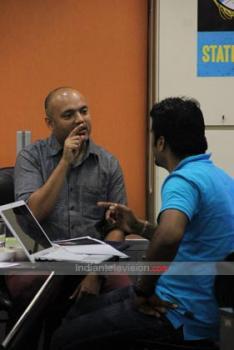 https://us.indiantelevision.com/sites/default/files/styles/350x350/public/images/photos/2013/11/20/15-HYPHEN-Founder-Partner-Prasanna-Sankhe-%28L%291.jpg?itok=sps82UiB