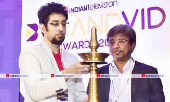 https://www.indiantelevision.com/sites/default/files/styles/350x350/public/images/photos/2019/06/22/1111.jpg?itok=Kp4vDdH6