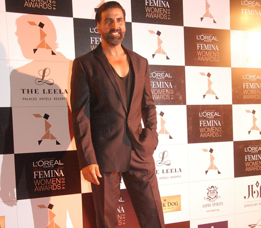 Akshay Kumar  at Loreal Paris Femina Women Awards