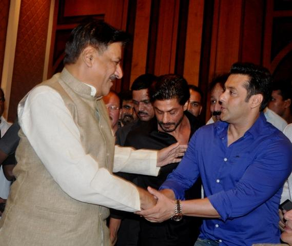 CM Chavan & Salman Khan (2)