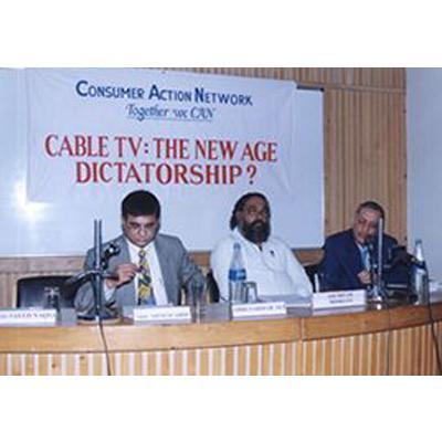 http://www.indiantelevision.com/sites/default/files/styles/smartcrop_800x800/public/images/cable_tv_images/2014/03/24/fvdf.jpg?itok=E7UHQK-q