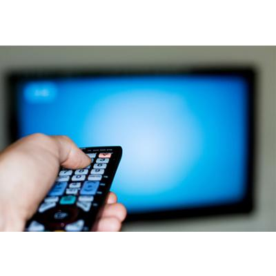 http://www.indiantelevision.com/sites/default/files/styles/smartcrop_800x800/public/images/cable_tv_images/2014/06/25/head99-watching-tv.jpg?itok=eUEmcO3h