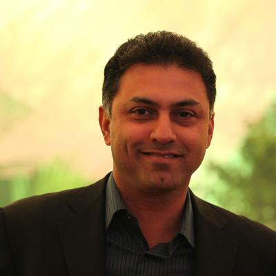 http://www.indiantelevision.com/sites/default/files/styles/smartcrop_800x800/public/images/internet-images/2014/07/19/Nikesh_Arora%28cropped%29.jpg?itok=VitopL9_