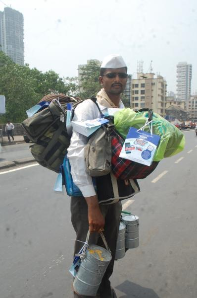 http://www.indiantelevision.com/sites/default/files/styles/smartcrop_800x800/public/images/mam-images/2014/05/27/Tempo%20Smart%20Foodie%20campaign%20with%20Mumbai%20Dabbawallas.JPG?itok=WTFXbM9I
