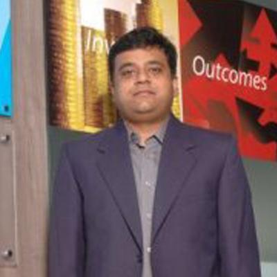 https://www.indiantelevision.com/sites/default/files/styles/smartcrop_800x800/public/images/mam-images/2014/06/09/khemka.jpg?itok=2HPOuAMk