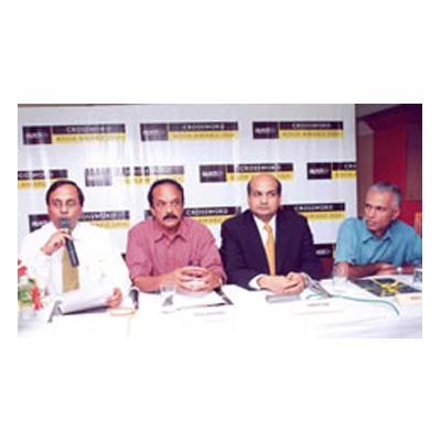 http://www.indiantelevision.com/sites/default/files/styles/smartcrop_800x800/public/images/mam-images/2014/10/08/add.jpg?itok=kh6EDzhP