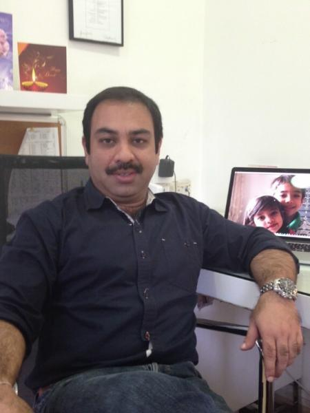http://www.indiantelevision.com/sites/default/files/styles/smartcrop_800x800/public/images/mam-images/2014/10/16/Paritosh%20Srivastava%2C.JPG?itok=P9pdPQjZ