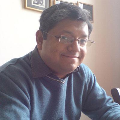 https://www.indiantelevision.com/sites/default/files/styles/smartcrop_800x800/public/images/mam-images/2015/09/24/Rathindra%20Basu.jpg?itok=3s4U1f6L