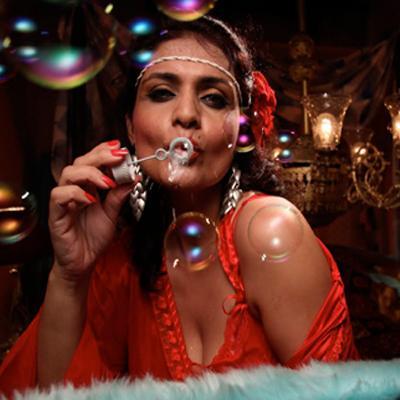 http://www.indiantelevision.com/sites/default/files/styles/smartcrop_800x800/public/images/movie-images/2014/01/04/107_0.jpg?itok=uHvOubwM