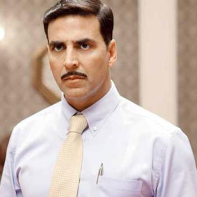 https://www.indiantelevision.com/sites/default/files/styles/smartcrop_800x800/public/images/movie-images/2014/04/29/akshaykumar-retrolook-big.jpg?itok=x1n8icMi
