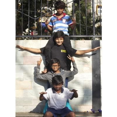 https://www.indiantelevision.com/sites/default/files/styles/smartcrop_800x800/public/images/movie-images/2014/06/19/kids.JPG?itok=wuquJf-I