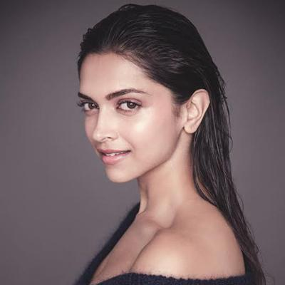 http://www.indiantelevision.com/sites/default/files/styles/smartcrop_800x800/public/images/movie-images/2014/08/28/deepika.jpg?itok=RgkBX4vR