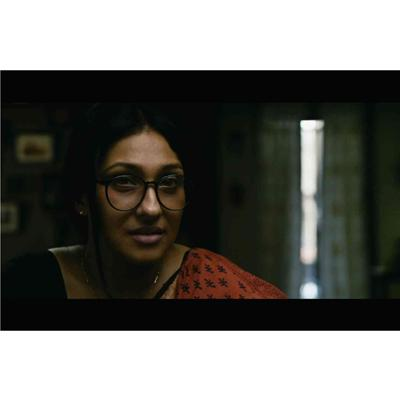 http://www.indiantelevision.com/sites/default/files/styles/smartcrop_800x800/public/images/movie-images/2014/11/12/Teenkahon-Film-Still-5_%20copy.jpg?itok=UqgbeLWx