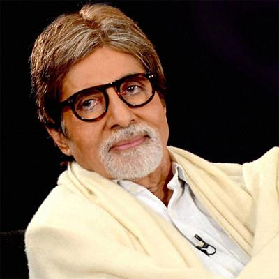 http://www.indiantelevision.com/sites/default/files/styles/smartcrop_800x800/public/images/movie-images/2015/08/19/Amitabh%20Bachchan.jpg?itok=o40uo7Cs