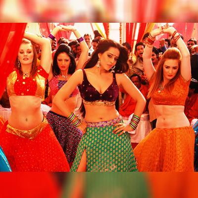 http://www.indiantelevision.com/sites/default/files/styles/smartcrop_800x800/public/images/movie-images/2015/08/20/a_6.jpg?itok=4xCcIwB9