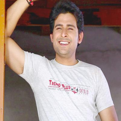 http://www.indiantelevision.com/sites/default/files/styles/smartcrop_800x800/public/images/movie-images/2015/08/24/Rajula-Malushahi.jpg?itok=08ng3sl6
