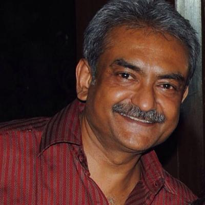 http://www.indiantelevision.com/sites/default/files/styles/smartcrop_800x800/public/images/regulators-images/2014/02/12/Sanjeev_Hiremath.jpg?itok=voZpdCFz