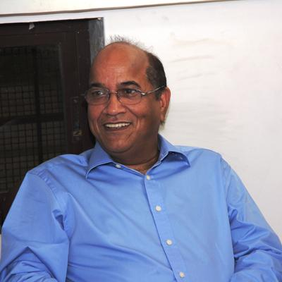 https://www.indiantelevision.com/sites/default/files/styles/smartcrop_800x800/public/images/tv-images/2014/03/20/arvind_sharma_0.jpg?itok=K9IVHIfT