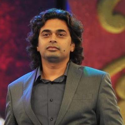 http://www.indiantelevision.com/sites/default/files/styles/smartcrop_800x800/public/images/tv-images/2014/04/17/Suvarna.jpg?itok=_FV2cqN4