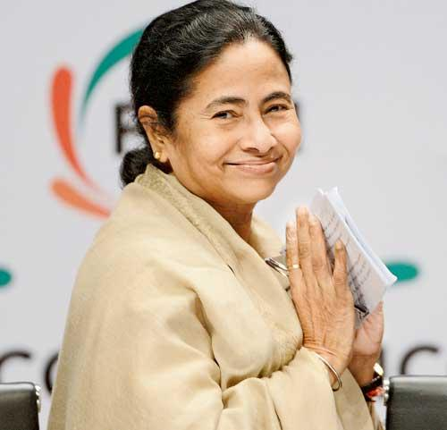 http://www.indiantelevision.com/sites/default/files/styles/smartcrop_800x800/public/images/tv-images/2014/05/16/Mamata-Banerjee.jpg?itok=xcLfQthy