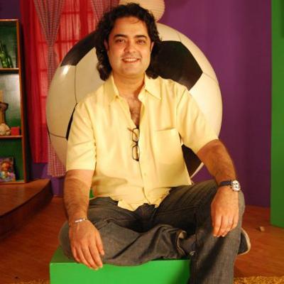 http://www.indiantelevision.com/sites/default/files/styles/smartcrop_800x800/public/images/tv-images/2014/05/20/vikas.jpg?itok=HvuU3kC6