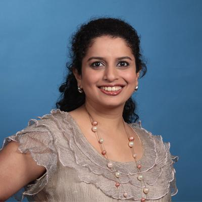 https://www.indiantelevision.com/sites/default/files/styles/smartcrop_800x800/public/images/tv-images/2014/06/23/DevikaPrabhu.jpg?itok=4eNGtk9N