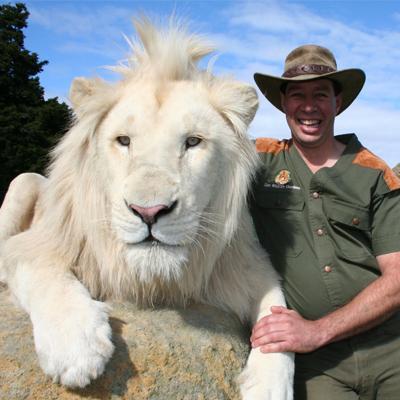 http://www.indiantelevision.com/sites/default/files/styles/smartcrop_800x800/public/images/tv-images/2014/06/26/LionMan.jpg?itok=7QiJb6zr