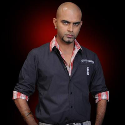 http://www.indiantelevision.com/sites/default/files/styles/smartcrop_800x800/public/images/tv-images/2014/07/15/rajiv_lakshman.jpg?itok=-Ju42lgO