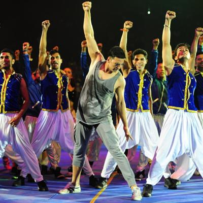 http://www.indiantelevision.com/sites/default/files/styles/smartcrop_800x800/public/images/tv-images/2014/08/11/akki.jpg?itok=0kKDgjof