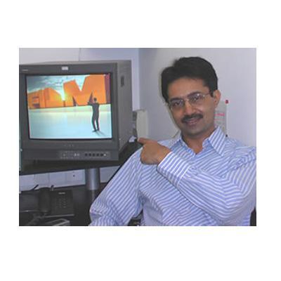 http://www.indiantelevision.com/sites/default/files/styles/smartcrop_800x800/public/images/tv-images/2014/08/22/1df.jpg?itok=0dhVUIFC