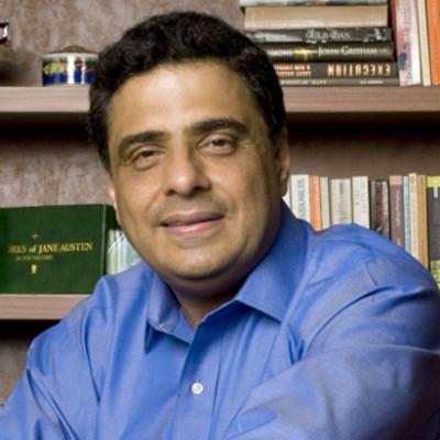 https://www.indiantelevision.com/sites/default/files/styles/smartcrop_800x800/public/images/tv-images/2014/11/26/Ronnie.jpg?itok=CzJcPl-w