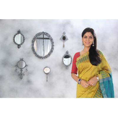 http://www.indiantelevision.com/sites/default/files/styles/smartcrop_800x800/public/images/tv-images/2015/01/14/Sakshi%20Tanwar%20%282%29.jpg?itok=dR8AXnmj