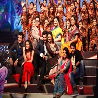 https://www.indiantelevision.com/sites/default/files/styles/smartcrop_800x800/public/images/tv-images/2015/09/12/Telly%20Awards.jpg?itok=k0N6a7wK