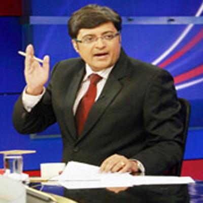 http://www.indiantelevision.com/sites/default/files/styles/smartcrop_800x800/public/images/tv-images/2015/11/26/arnab.jpg?itok=OGZAcd0B