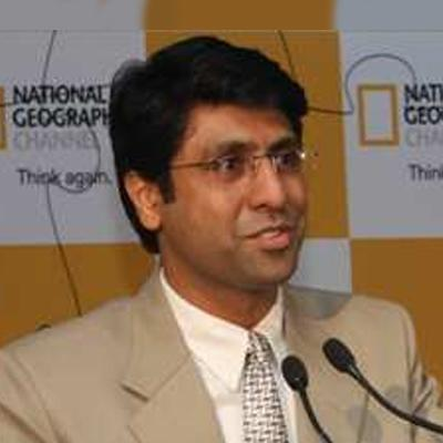 https://www.indiantelevision.com/sites/default/files/styles/smartcrop_800x800/public/images/tv-images/2015/12/08/Rajesh%20Sheshadri.jpg?itok=Y-0GGltx