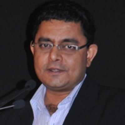 https://www.indiantelevision.com/sites/default/files/styles/smartcrop_800x800/public/images/tv-images/2015/12/09/Ravi%20Menon.jpg?itok=9OJLTJRc