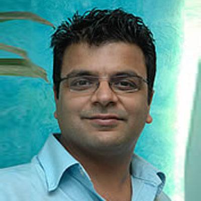 http://www.indiantelevision.com/sites/default/files/styles/smartcrop_800x800/public/images/tv-images/2015/12/17/Shailesh%20Kapoor1.jpg?itok=rRP6jtb1