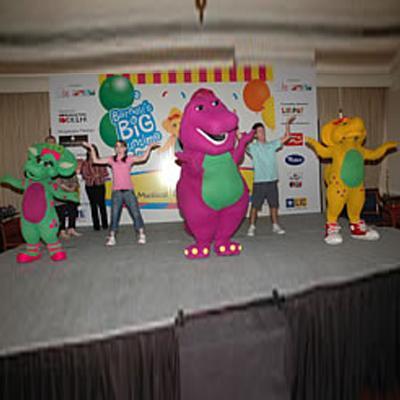 https://www.indiantelevision.com/sites/default/files/styles/smartcrop_800x800/public/images/tv-images/2016/05/03/Barney.jpg?itok=SndBIwq9