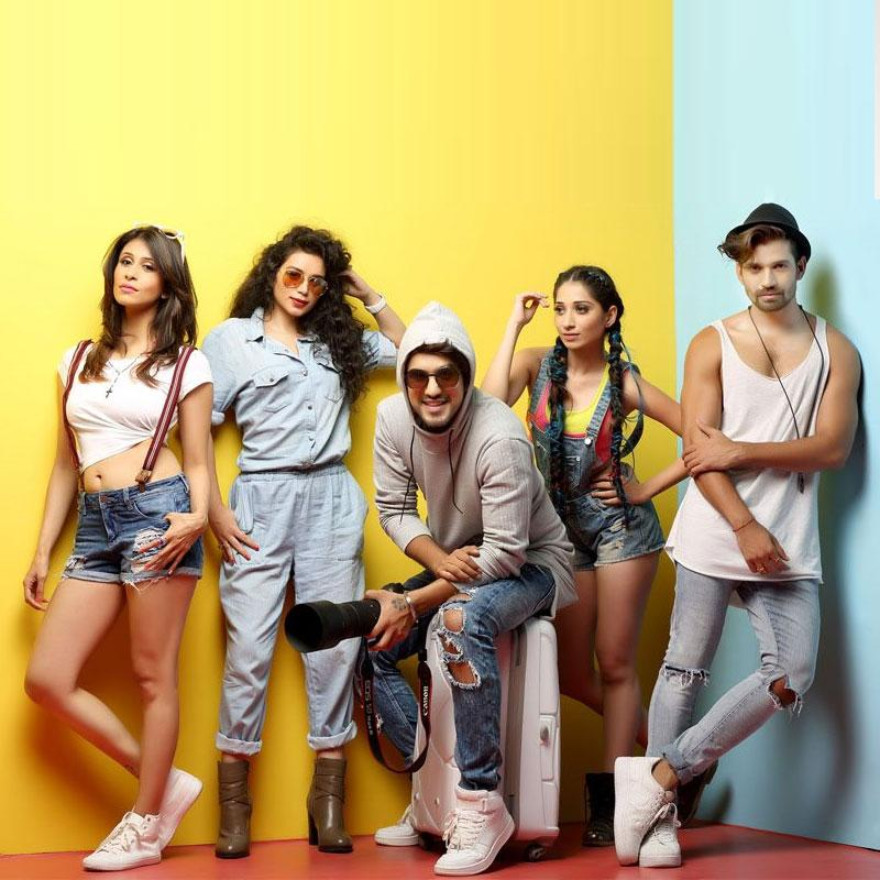 http://www.indiantelevision.com/sites/default/files/styles/smartcrop_800x800/public/images/tv-images/2016/05/27/desi-explorers.jpg?itok=LPA_rQ0a