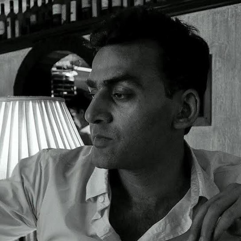 http://www.indiantelevision.com/sites/default/files/styles/smartcrop_800x800/public/images/tv-images/2016/06/03/Mahesh.jpg?itok=dE1O0sX8