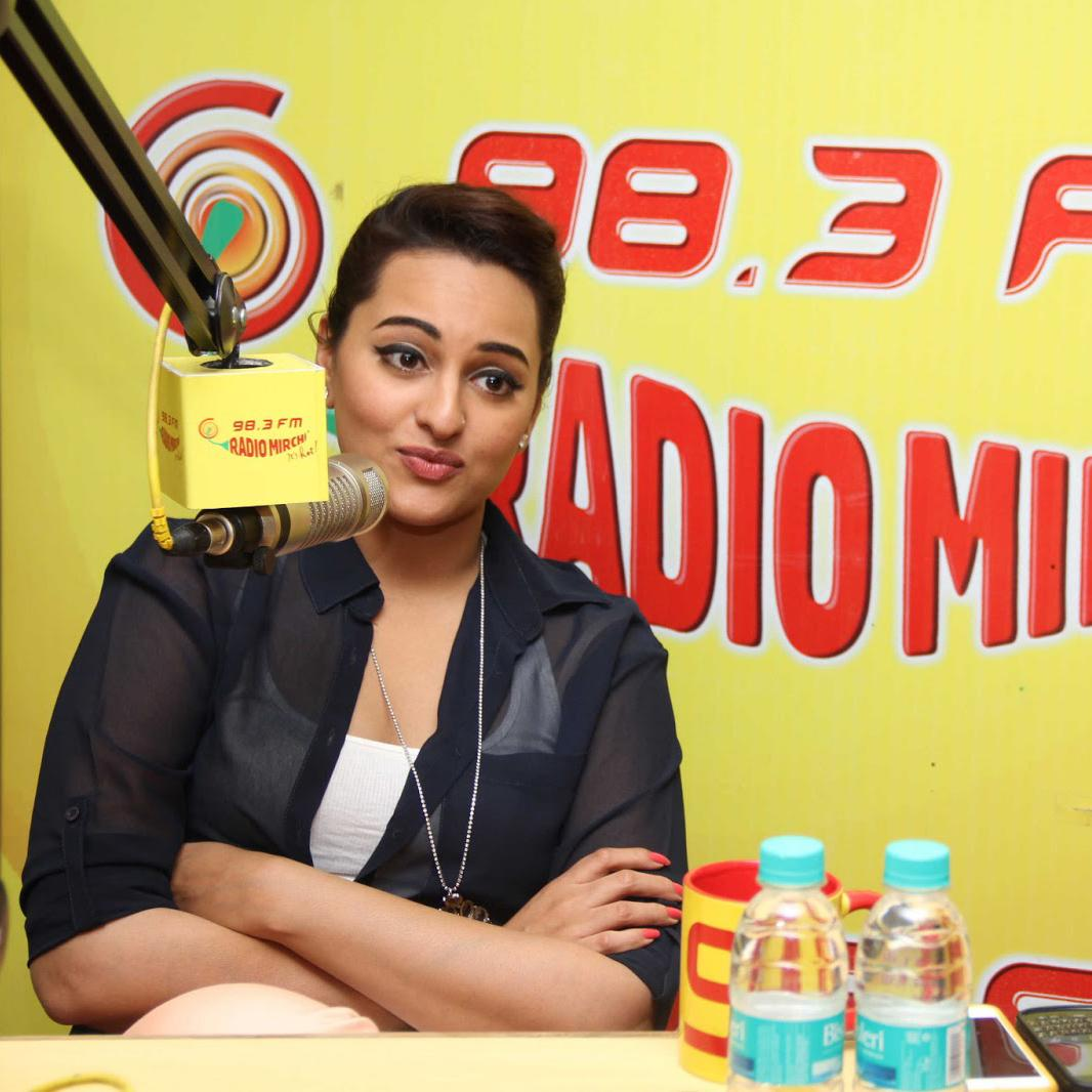 http://www.indiantelevision.com/sites/default/files/styles/smartcrop_800x800/public/images/tv-images/2016/08/25/Radio%20mirchi.jpg?itok=BkOGgMvv
