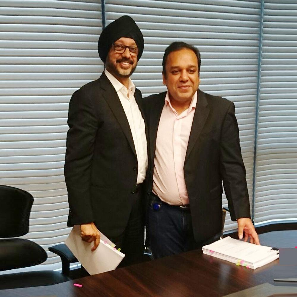 http://www.indiantelevision.com/sites/default/files/styles/smartcrop_800x800/public/images/tv-images/2016/08/31/NP-Singh-and-Punit-Goenka-at-the-signing-ceremony---20160831.jpg?itok=P-Mp6q5N